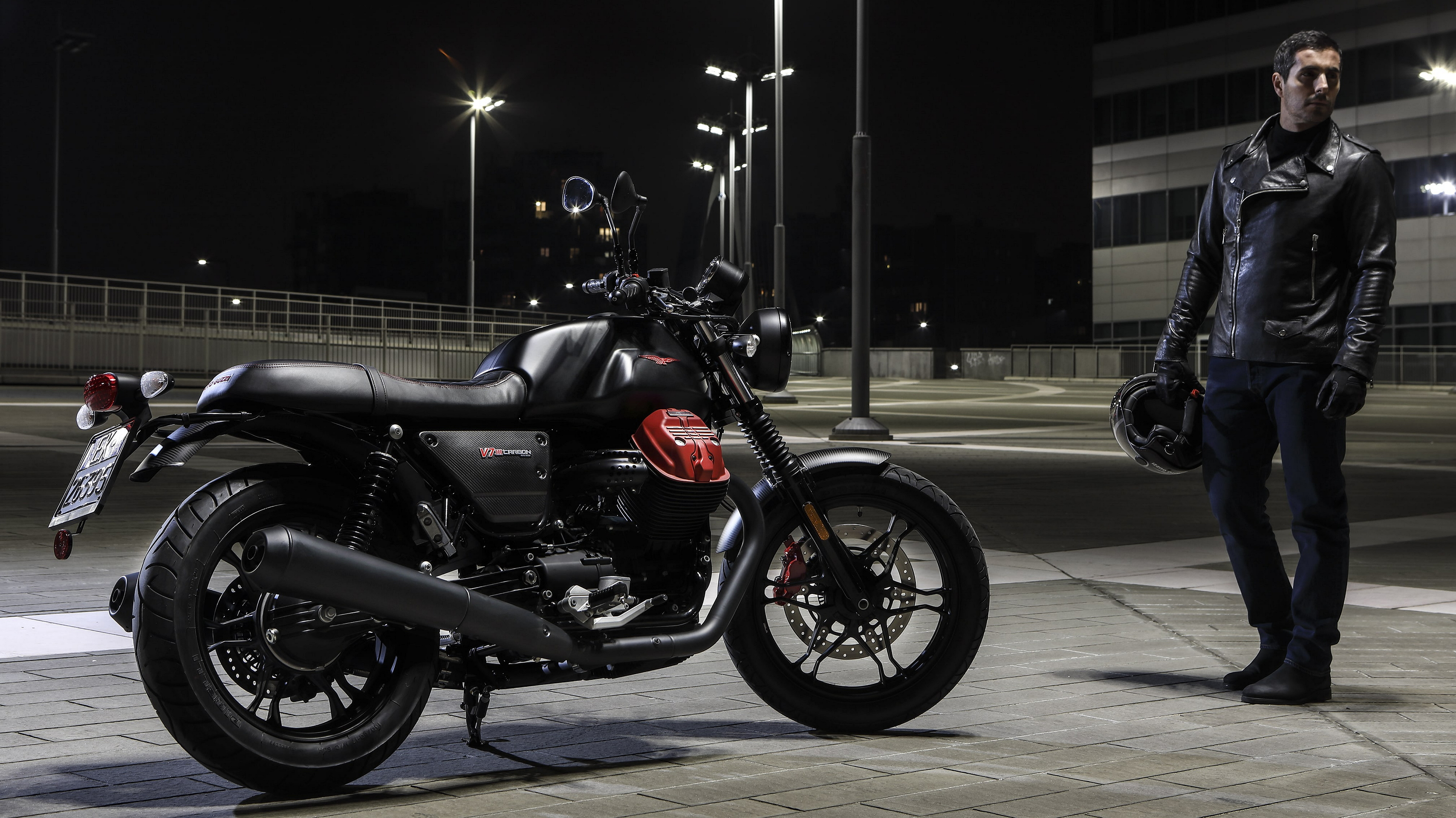 2018 Moto Guzzi V7 III Carbon Pictures, Photos, Wallpapers