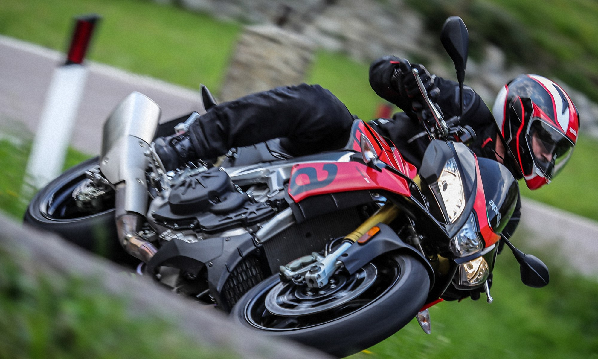 Aprilia Tuono Latest News Reviews Specifications Prices Photos And Videos Top Speed