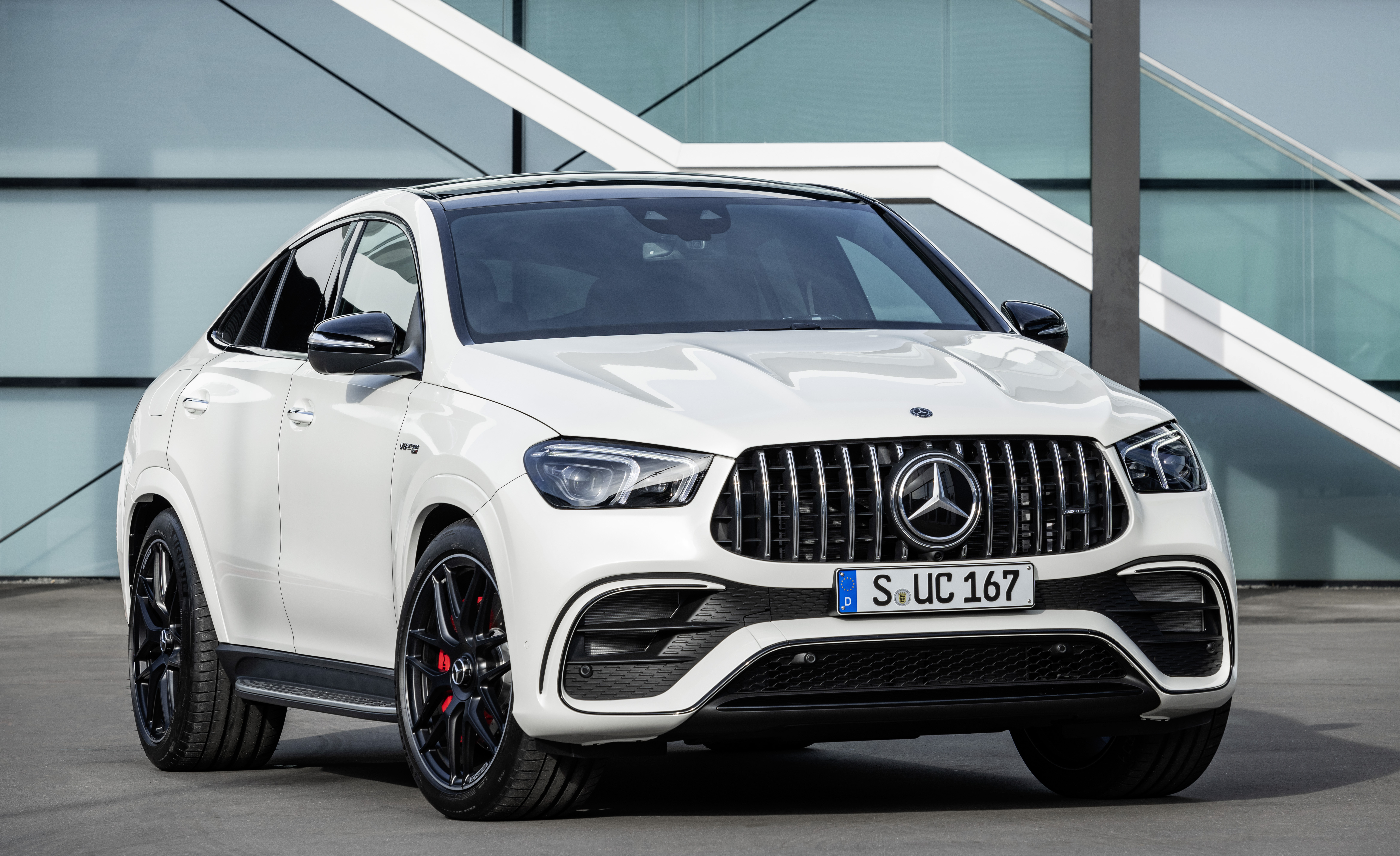 3 Mercedes-AMG GLE 3 3MATIC+ Coupé Photo Gallery and